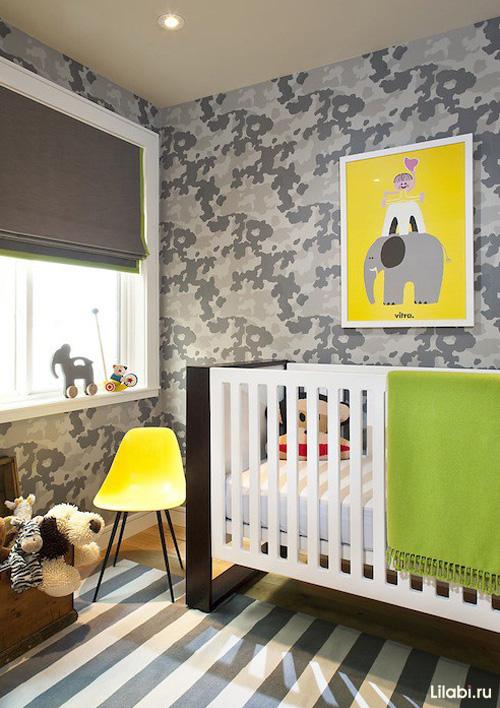 Дизайн детской комнаты для мальчика с пятнистыми обоями