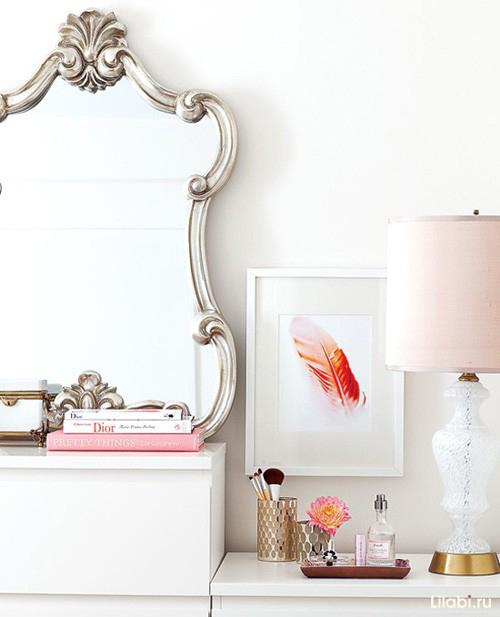 Зеркало в интерьере комнаты для девушки