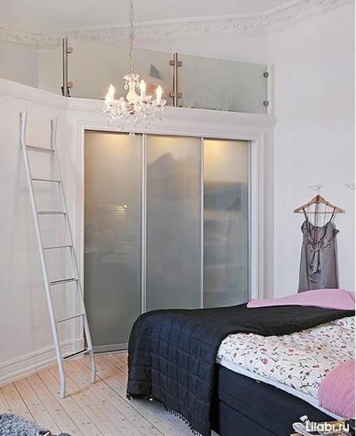 Гардероб в интерьере комнаты для девушки