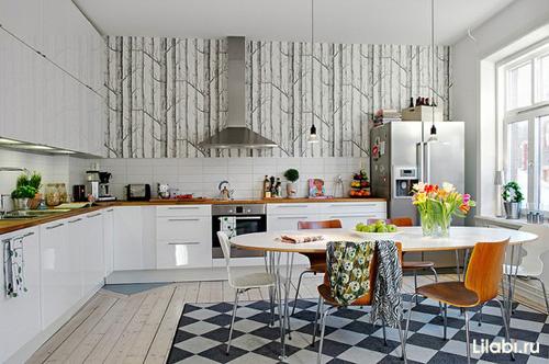 Угловая кухня в квартире студии