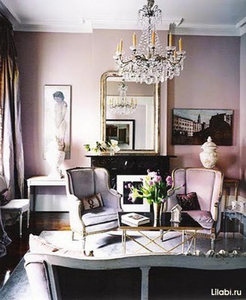 Дизайн интерьера гостиной с розовыми стенами