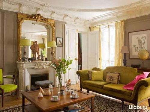 Дизайн интерьера гостиной с зелеными акцентами