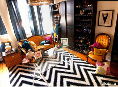 Яркий интерьер комнаты для девушки