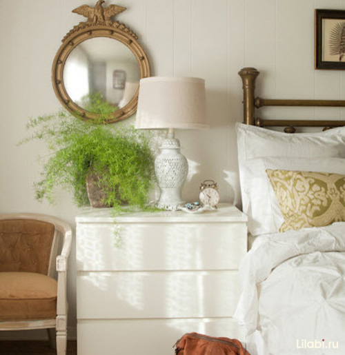 Белый комод для интерьера спальни фото