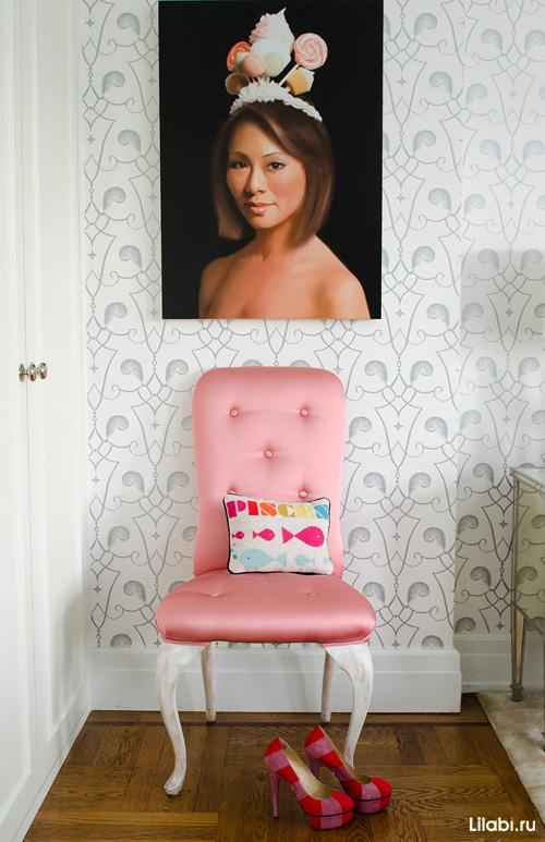 Картины и постеры в интерьере, портрет в спальне