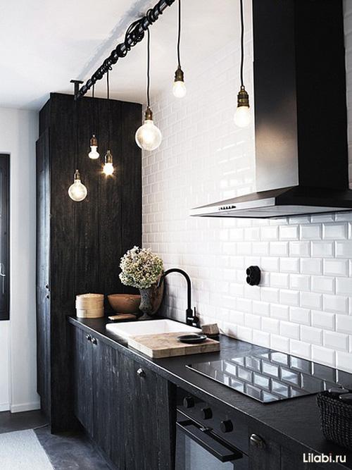 Сочетание белого и черного в интерьере кухни