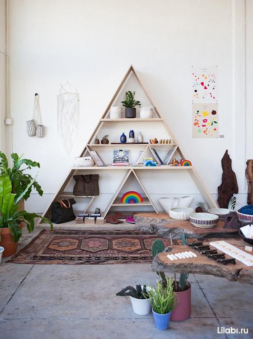 Украшение стен в квартире с помощью декоративных полок