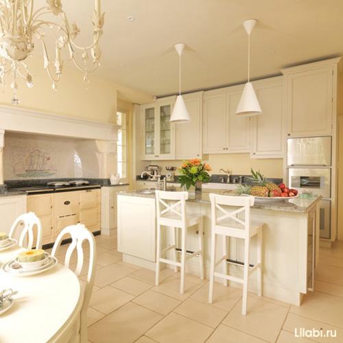Интерьер кухни бежевого цвета фото
