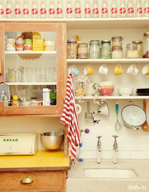 Стеллажи на кухне своими руками